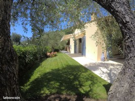 Detached villa of 210m2 with swimming pool - Contes
