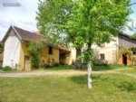 Renovated old farmhouse of 180m² on about 700 m² of ground