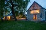 Prestigious farmhouse and annexes