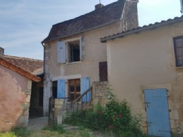 House to renovate with great potential