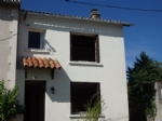 2 Bedroom Village House with Private Garden - Chateau-Garnier