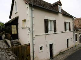 Val de Loire: Town Centre Home, Superb Gardens, Garage