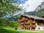 A pleasant one bedroom apartment, well located alongside the pistes of Linga.
