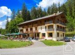 An 18 bedroom hotel on the shores of the beautiful Lac de Montriond, sold as a going concern.
