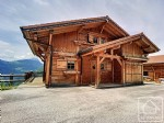 Spacious 5 bedroom chalet with superb views, a short drive from the skiing.