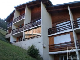 A super 3 bedroom apartment with parking on the ski bus route in Morzine.