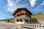 Chalet of 2 apartments, close to skiing with fab views of the gorgeous Manigod valley.
