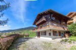Sunny 4 bed/3 bath chalet with jacuzzi and stunning views.