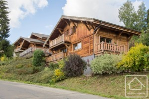 A high quality 5 bedroom, 5 bathroom property with stunning views.