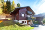 Great value 4 bed /2 bath ski chalet with stunning views, 5 minutes from the slopes.