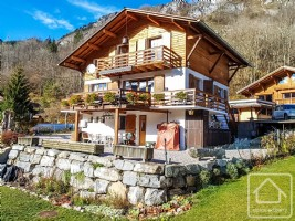 A pretty chalet located in a sunny hamlet between Abondance and La Chapelle