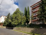 Apartment with 90 m² of living space, 3 bedrooms, balcony, views and 10 minutes walk from town.