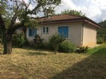 Villa to refresh with 2 bedrooms on a plot of 600 m², near the river.