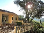Single storey villa with independent studio on a 1170 m² plot with beautiful views.