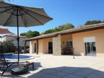 Pleasant single storey villa with 3 bedrooms on 1147 m² with pool and breathtaking views.