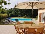 Charming modern villa with 130 m² living space, 4 bedrooms, on a 877 m² plot with pool.