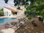 Fully renovated stone barn with 325 m² of living space, on 1025 of landscaped park with pool.