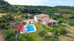 High quality property with 165 m² of living space on 5232 m² with pool and splendid views !