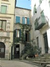 Charming village house with 170 m² of living space and possibility to create a gite.