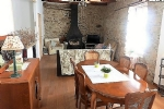 Partly renovated winegrower's house with 3 bedrooms, convertible attic, garage and terrace.