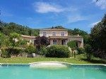 Beautiful villa with 150 m² of living space on 2555 m² of land with pool and open views.