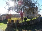 40 Minutes from ISSOIRE in a peaceful hamlet - large stone farm property, in need of modernisation