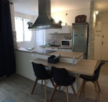 Renovated 2 bedroom apartment with lift access