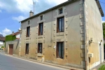 In Mazerolles, close to shops and services in Lussac-les -Chateaux.