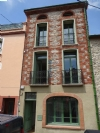 Unusual 140m² building, professional + residential use