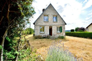 Village with shops just 5 minutes from GAILLON train station