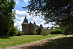 Exceptional 15th century chateau close to Perigueux!