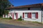 QUEAUX 86150. Maison de campagne, située dans un petit hameau