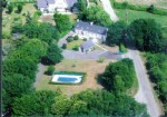 Attractive six bedroom country house with pool and studio.
