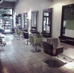 Business unit, unisex hair salon, in Lyon's 7th arrondissement