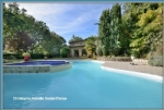 Large Provencal hourse on a land of 1 ha, swimming pool, in the countryside but close to the city.