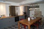 Renovated flat of 220 m² and garden level