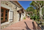 Single storey farmhouse of 145 m² on a closed and wooded land of 5175 m² with swimming pool