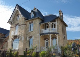Beautiful character property, recent renovation, overlooking the Seine