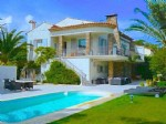 Ste. Maxime - Beautiful villa at 100 m from the beach of La Nartelle. 920,000 €