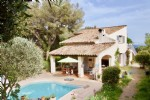 Les Issambres - Large villa, 7 bedrooms, sea view and walking distance from sea! 798,000 €