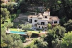 Detached house 300m2 with 5000m2 of land, swimming pool, Caretaker's house: Mougins 1,990,000 €