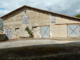 Barn for sale 1048m2 land ,South facing