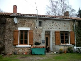 House for sale 3 bedrooms ,536m2 land ,Pool
