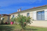 Bungalow for sale 4 bedrooms 1336m2 land ,South facing