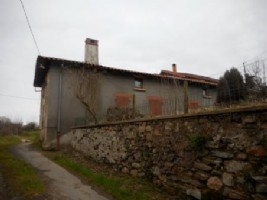 House for sale 907m2 land