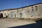 French property for sale: Farmhouse and barns with 600m2 land