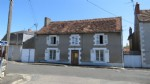 Large house for investment in Montmorillon