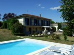 Renovated house with pool. 4 bedrooms. South Charente