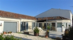 Charentaise with 4 beds, large garden, outbuildings and pool, Néré