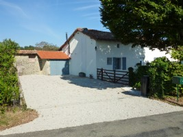 4 bed Stone Farmhouse in Charente with attached barns